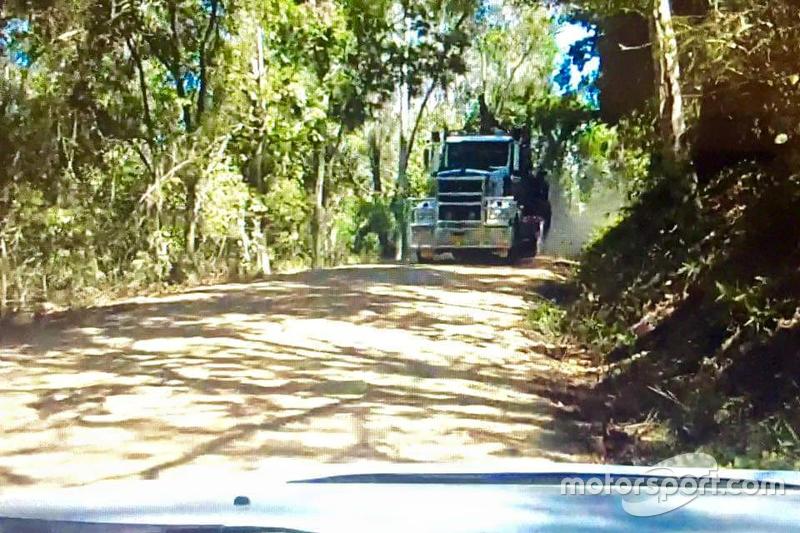 Скриншот видео с бортовой камеры автомобиля Мадса Остберга