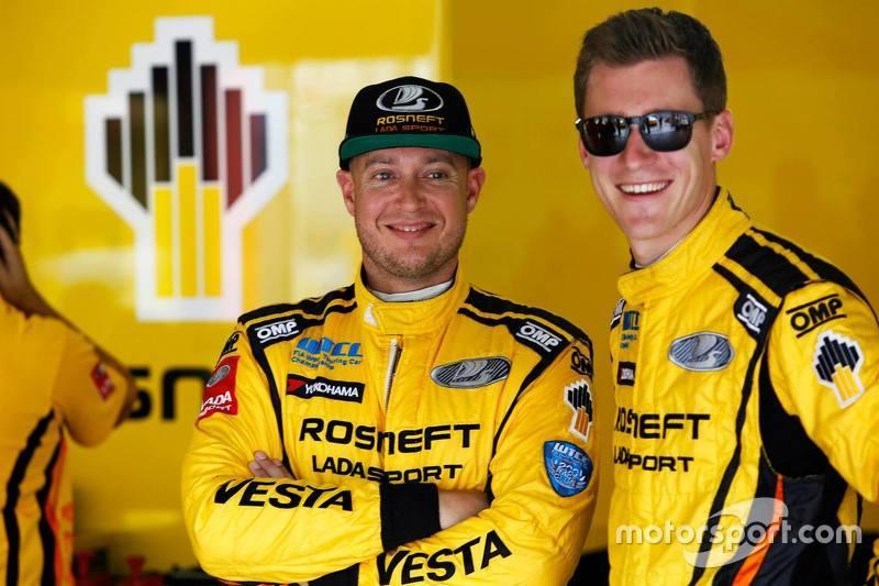 Rob Huff, Lada Vesta WTCC, Lada Sport Rosneft, und Nicky Catsburg, Lada Vesta WTCC, Lada Sport Rosneft