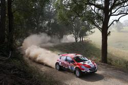 Mark Pedder ve Glenn Macneall, Peugeot 208 Maxi