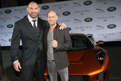 Dave Bautista ( James Bond Spectre, Mr. Hinx ) ve Juergen Vogel Yeni Bond filmindeki Jaguar Land Rover tanıtımında
