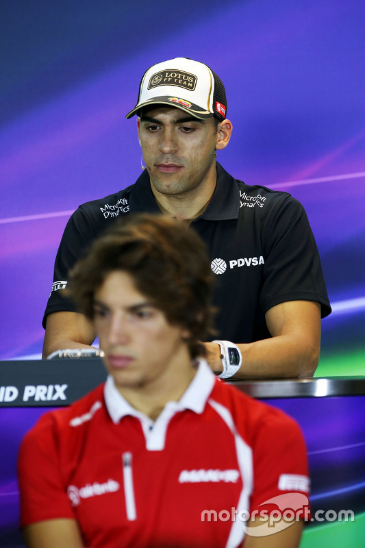 Pastor Maldonado, Lotus F1 Team e Roberto Merhi, Manor F1 Team