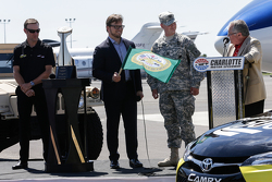 Метт Кенсет, Joe Gibbs Racing Toyota at Charlotte NC
