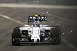 Valtteri Bottas, Williams FW37 met vonken
