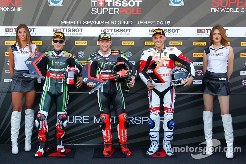 Qualifying: second place Jonathan Rea, Kawasaki, polesitter Tom Sykes, Kawasaki, third place Niccolo