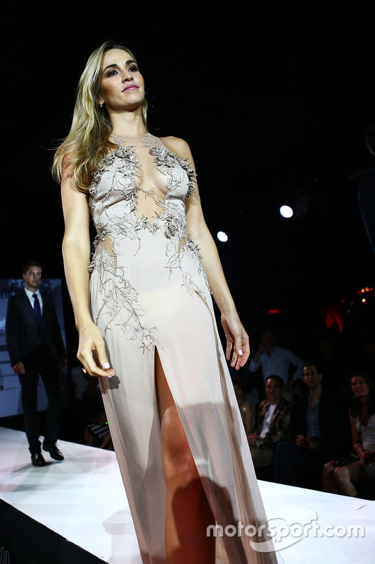 Carmen Jorda, Pilotaollaudatore Lotus F1 Team all'Amber Lounge Fashion Show