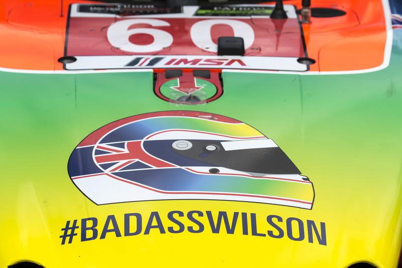 Justin Wilson esquema de pintura homenaje en el # 60 Michael Shank Racing con Curb / Agajanian Ligier JS P2 Honda: John Pew, Oswaldo Negri Jr.