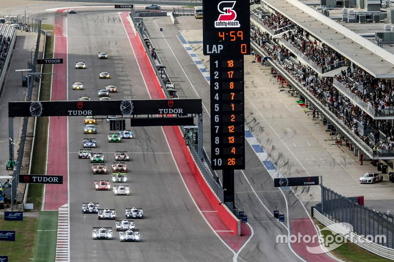 Start: #18 Porsche Team Porsche 919 Hybrid: Romain Dumas, Neel Jani, Marc Lieb, in Führung