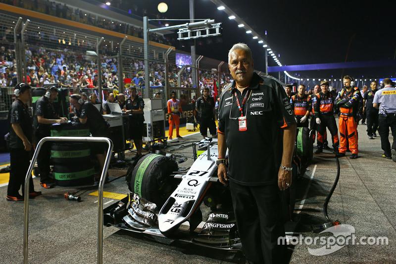 Dr. Vijay Mallya, Sahara Force India F1, Teameigner, in der Startaufstellung