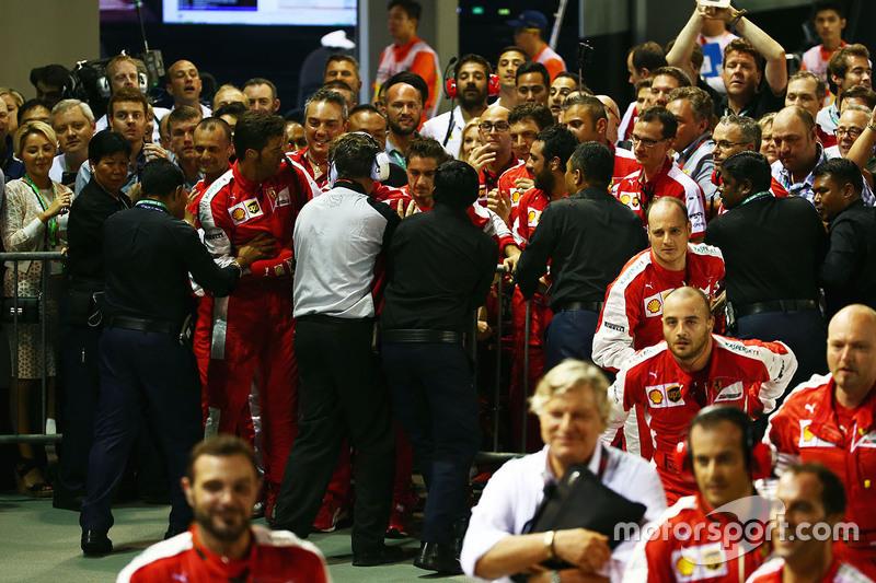 Zwischenfall um Ferrari und Sicherheitskräfte im Parc Fermé