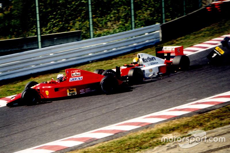 Alain Prost, Ferrari dan Ayrton Senna, McLaren bertabrakan di tikungan pertama