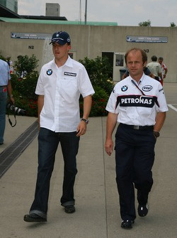 Robert Kubica, BMW Sauber F1 Team will not be in the USA F1 GP due to his crash, he is walking with Josef Leberer BMW Sauber Physio