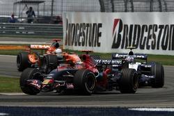 Vitantonio Liuzzi, Scuderia Toro Rosso, STR02, Alexander Wurz, Williams F1 Team, FW29, Adrian Sutil, Spyker F1 Team, F8-VII