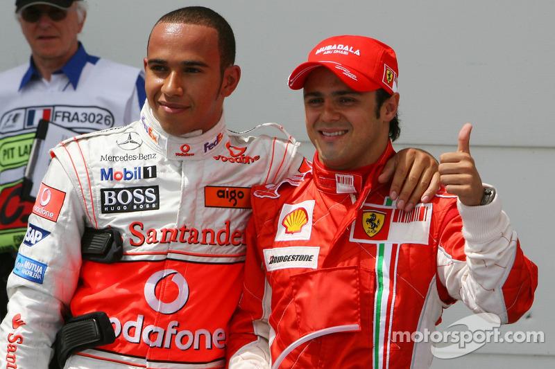 Ganador de la Pole Position Felipe Massa, Scuderia Ferrari, F2007, segundo Lewis Hamilton, McLaren Mercedes, MP4-22