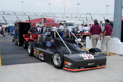 Bringing Cameron Dodson's #199 into the pits