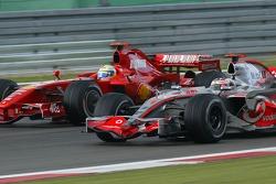 Фернандо Алонсо, McLaren Mercedes, MP4-22, Феліпе Масса, Scuderia Ferrari, F2007
