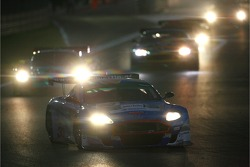 #33 Jetalliance Racing Aston Martin DB9: Karl Wendlinger, Ryan Sharp leads the field