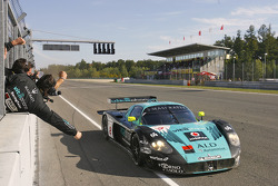 Race winner #2 Vitaphone Racing Team Maserati MC 12: Miguel Ramos, Christian Montanari