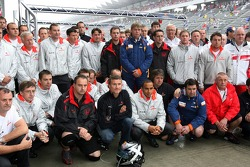Дэвид Култард, Red Bull Racing и Льюис Хэмилтон, McLaren Mercedes - встреча пилотов в память Колине МакРее