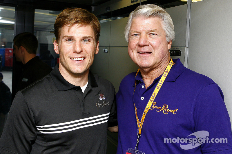 Former miami dolphins and dallas cowboys coach jimmy johnson stopped former miami dolphins and dallas cowboys coach jimmy johnson stopped by jamie mcmurrays 26 hauler m4hsunfo
