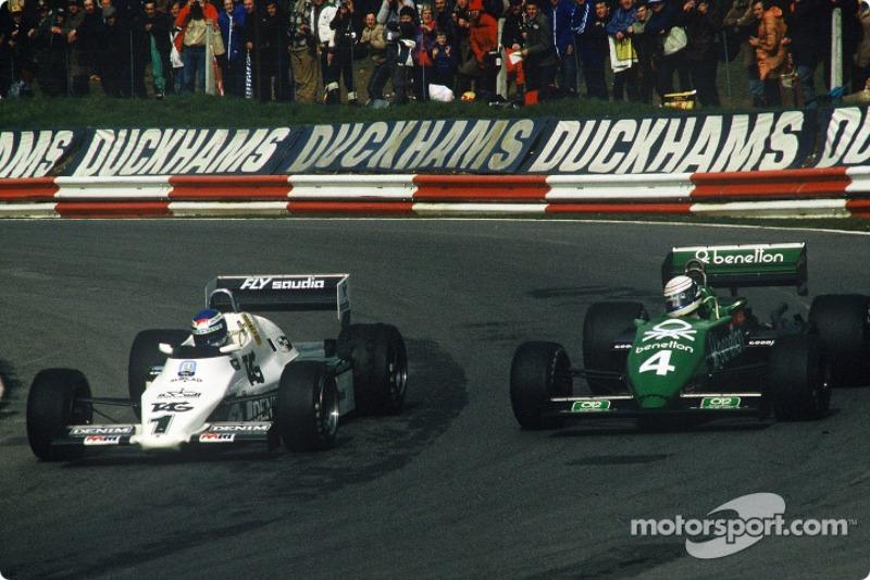 Keke Rosberg com o Williams-Cosworth FW08C disputando posição com Danny Sullivan