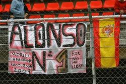 Fernando Alonso, fans banner- Formula 1 Testing, Barcelona