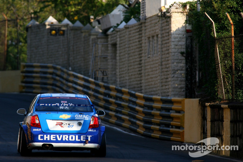 Robert Huff, Team Chevrolet, Chevrolet Lacetti