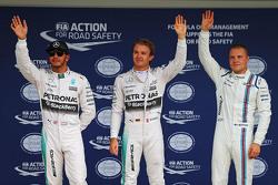 Ganador de la pole: Nico Rosberg, de Mercedes AMG F1 Team, el segundo lugar de Lewis Hamilton, de Mercedes AMG F1 Team, tercer lugar Valtteri Bottas, Williams