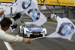 Максим Мартен, BMW Team RMG BMW M4 DTM побеждает