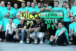 Ganador de la carrera Lewis Hamilton, de Mercedes AMG F1 Team, el segundo lugar Nico Rosberg, de Mer