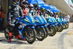 Participants of the Suzuki Gixxer Cup