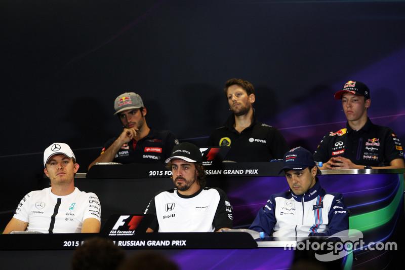 Карлос Сайнс мол., Scuderia Toro Rosso; Ромен Грожан, Lotus F1 Team;Данііл Квят, Red Bull Racing; Ніко Росберг, Mercedes AMG F1; Фернандо Алонсо , McLaren; Феліпе Масса, Williams