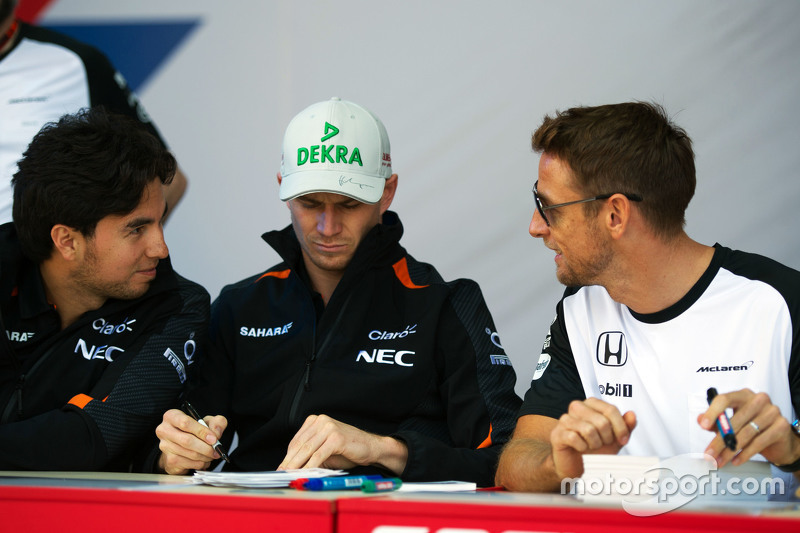 (L to R): Sergio Perez, Sahara Force India F1 with Nico Hulkenberg, Sahara Force India F1 and Jenson Button, McLaren