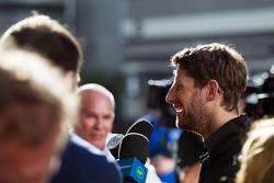 Ромен Грожан, Lotus F1 Team со СМИ