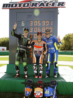 Minibike-Challenge: 1. Dani Pedrosa, Repsol Honda Team; 2. Bradley Smith, Monster Yamaha Tech 3; 3. Aleix Espargaro, Team Suzuki MotoGP