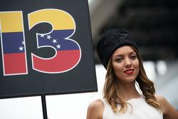 Chica de la parilla para Pastor Maldonado, Lotus F1 Team