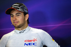 Sergio Pérez, Sahara Force India F1en la conferencia de prensa de la FIA