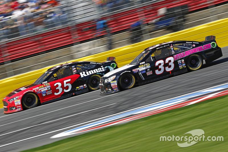 Коул Вітт, Front Row Motorsports Ford та Брайн Скотт, Chevrolet