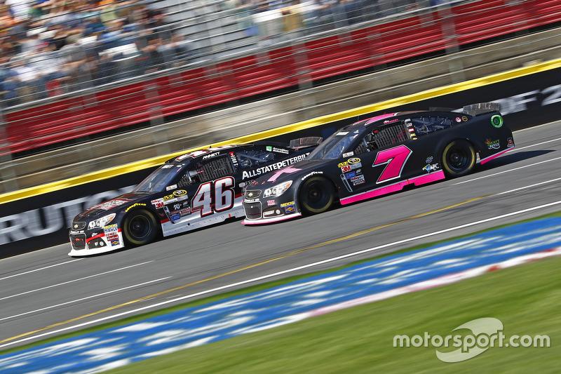 Майкл Аннетт, HScott Motorsports Chevrolet та Алекс Боумен, Tommy Baldwin Racing Chevrolet