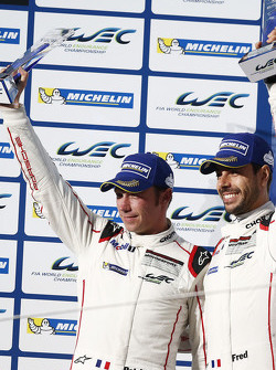 Peringkat kedua GTE-Pro class Frederic Makowiecki, Patrick Pilet, Porsche Team Manthey