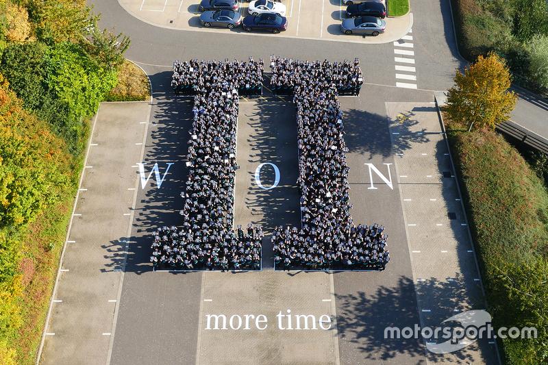 Mercedes viert 2015 titel bij de constructeurs