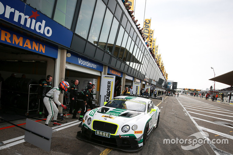 #7 Bentley Team HTP Bentley Continental GT3: Йерун Блекемолен, Лука Штолц