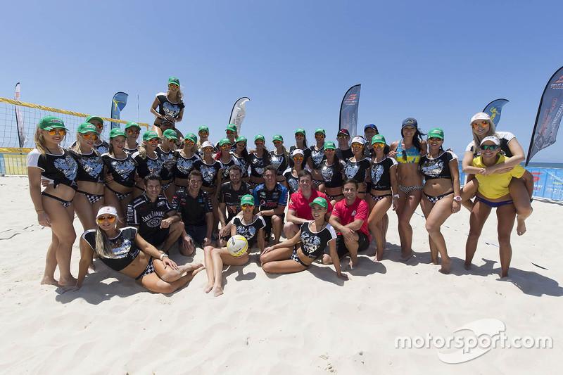 Die Piloten und die Miss V8 Supercars Girls