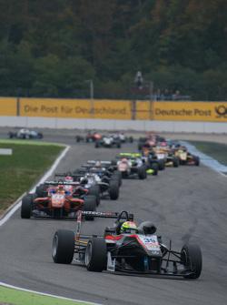 Александер Сімс, HitechGP F3 Dallara Mercedes-Benz