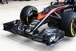 McLaren MP4-30 voorvleugel