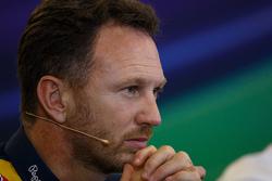 Кристиан Хорнер, руководитель команды Red Bull Racing на пресс-конференции FIA