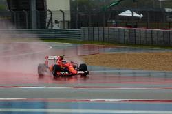 Kimi Raikkonen, Ferrari SF15-T runs wide