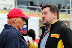 Niki Lauda, Mercedes Non-Executive Chairman met Paul Hembery, Pirelli Motorsport Director