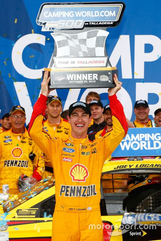 Winnaar Joey Logano, Team Penske Ford