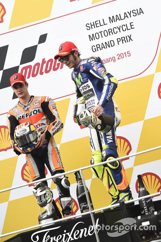 Podium: race winner Dani Pedrosa, Repsol Honda Team and third place Valentino Rossi, Yamaha Factory