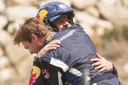 I vincitori Andreas Mikkelsen e Ola Floene, Volkswagen Polo WRC, Volkswagen Motorsport